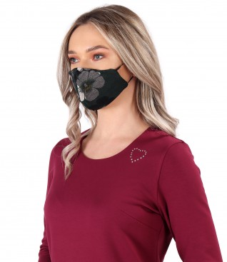 Reusable mask made of jersey with velvet floral motifs