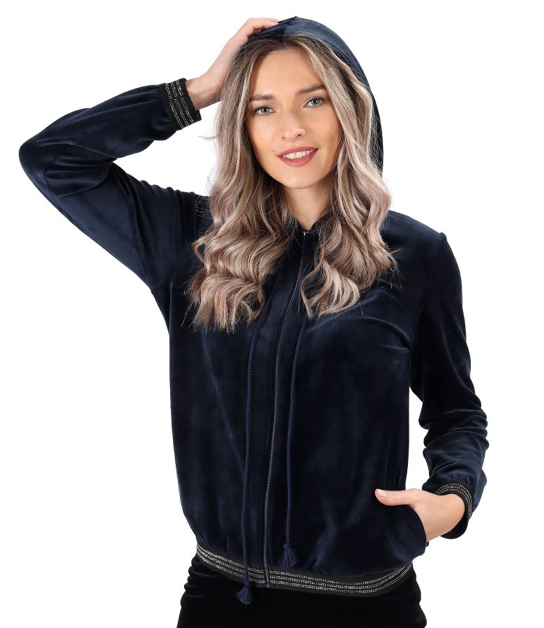 Elastic velvet sweatshirt with elastic finish with crystals