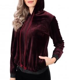 Elastic velvet sweatshirt with elastic finish with crystals