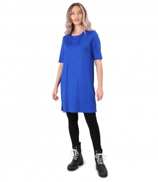 Elastic jersey casual dress with black leggings