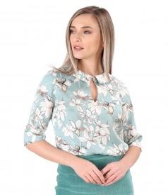 Elegant tencel blouse printed with floral motifs
