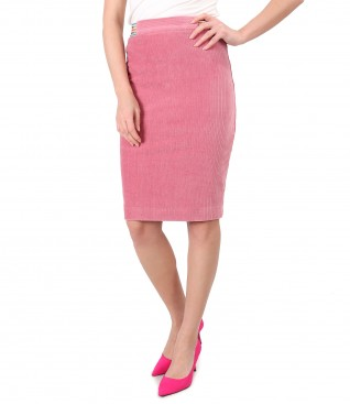 Tapered skirt made of velvet