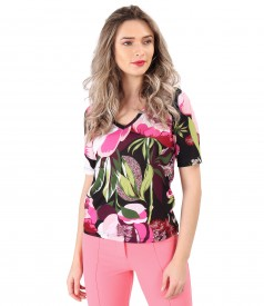 Blouse made of thin elastic jersey printed with floral motifs