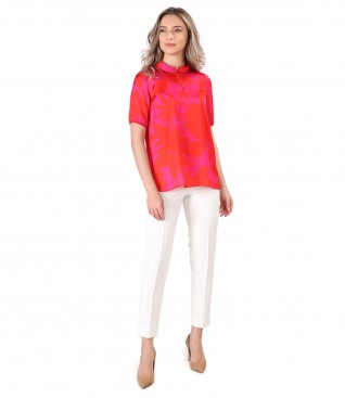 Ankle pants with stripe on the front with printed satin blouse
