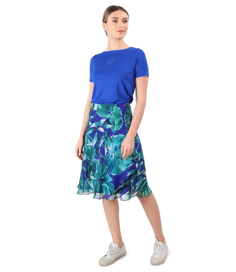 Flared skirt made of printed veil with jersey t-shirt