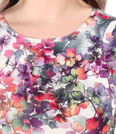 Blouse made of elastic viscose jersey and linen