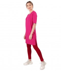 Casual outfit with elastic jersey dress and leggings