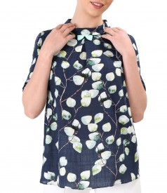 Casual cotton blouse with viscose printed with floral motifs