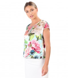 Casual blouse made of natural silk printed with floral motifs