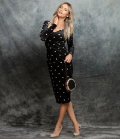 Elegant elastic velvet dress printed with polka dots