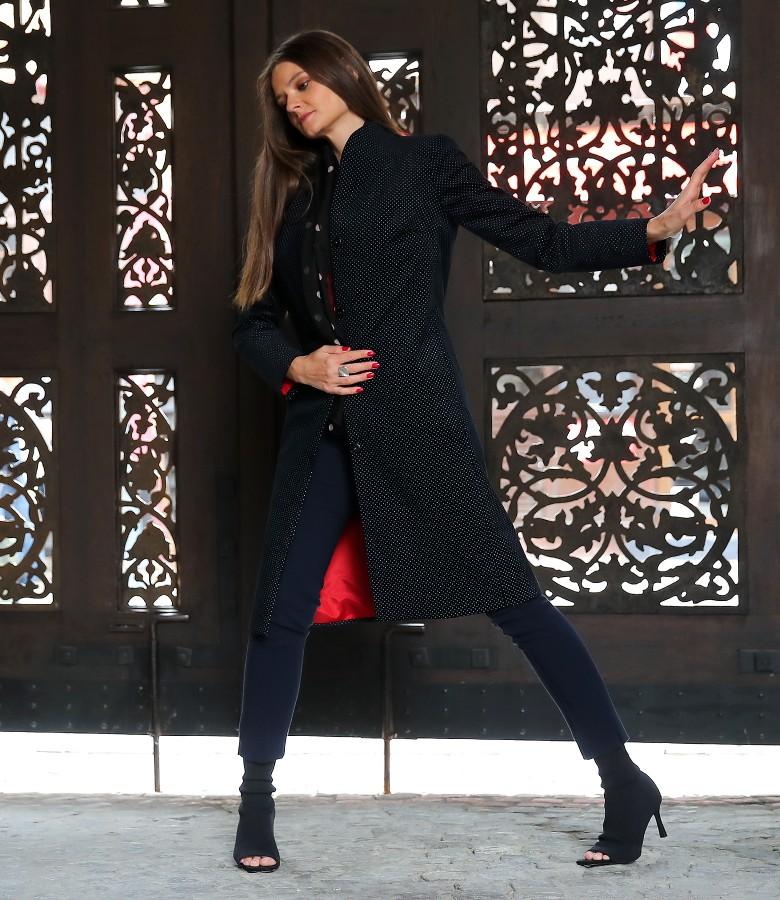 Elegant outfit with cotton velvet overcoat