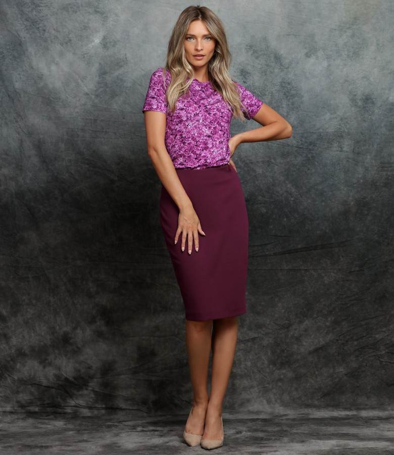 Office outfit with viscose jersey blouse and tapered skirt